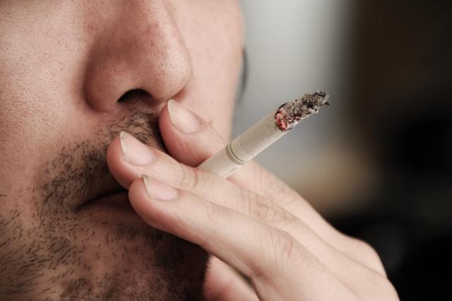 煙草は百害あって一利なし!ニコチン・タール・嫌な臭いゼロの電子タバコは?